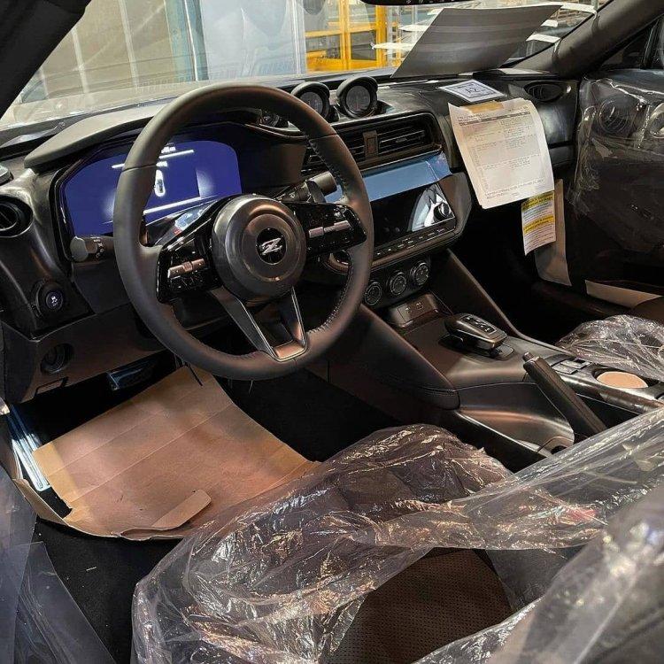1965013562_NissanZInterior(Auto).thumb.jpg.f1be371b62ae082f4dcc2f32282db5d1.jpg